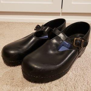 Dansko Mary Jane Style Clogs Black Size 11